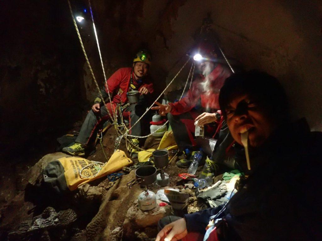 2018年未踏の洞窟探検~ラオス 食事