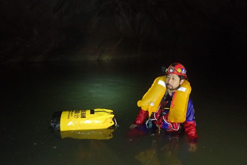 2018年未踏の洞窟探検~ラオス 泳いで進む洞窟